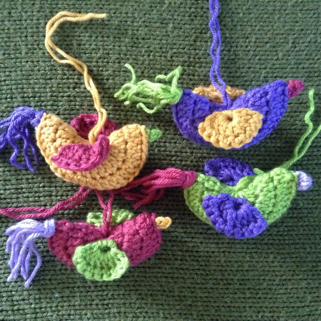 Free crochet pattern: Ornithology (bird ornament) | NICOLA KNITS